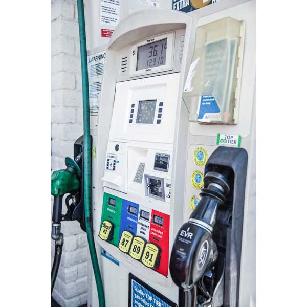 With the Deadline Having Passed, Less Than Half of Sellers Comply With Gas Pump EMV